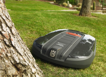 Husqvarna Robot Lawnmower Controllable Via iPhone