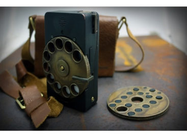 Steampunk Rotary Mechanical: Cell Phone with Rotary Dial