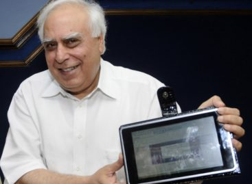 "India Introduces ""Proudly Indian-Made"" Tablet, Costs $35"