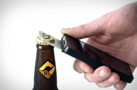 Opena iPhone 4 Case Comes with a Bottle Opener