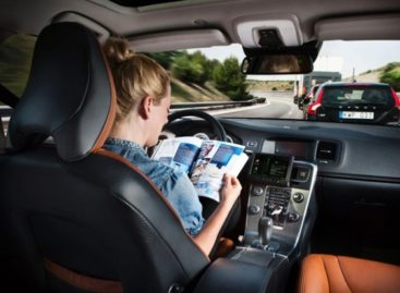 Volvo Plans Self-Driving Cars in 2014