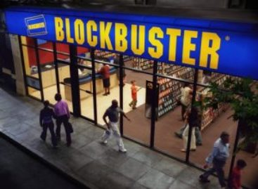 Blockbuster to Sell Smartphones in Brick-And-Mortar Stores