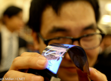 Samsung Unveils Bendable OLED Smartphone Screens