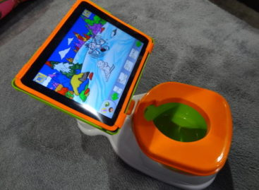 iPotty: Toilet Training with iPad
