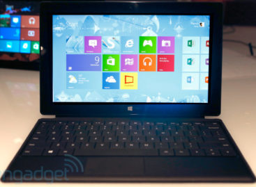 Microsoft Shows Off Surface Pro Tablet