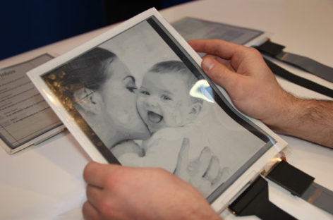 Plastic Logic Introduces PaperTab, The Flexible Tablet