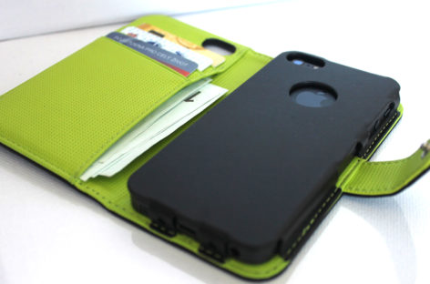 iWallie: Half iPhone Case, Half Wallet