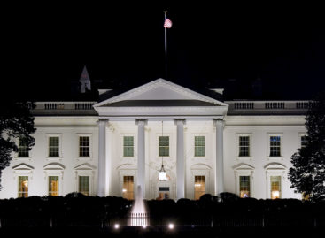 White House to Look Into Ban on Unlocking Smartphones