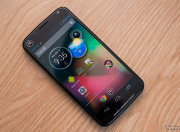 Google Chairman Confirms Moto X Launch Date