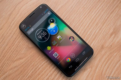 Google Chairman Confirms Moto X Launch Date