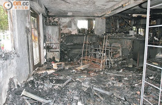 Exploding Samsung Galaxy S4 causes house fire.