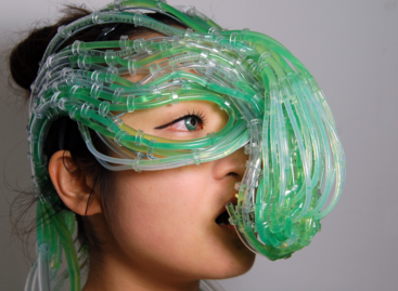 """Algaculture Symbiosis Suit"" concept feeds you algae"