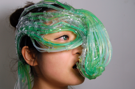 """Algaculture Symbiosis Suit"" concept feeds you algae"