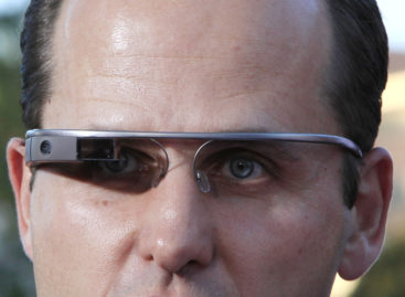 Bar in Seattle boots Google Glass user