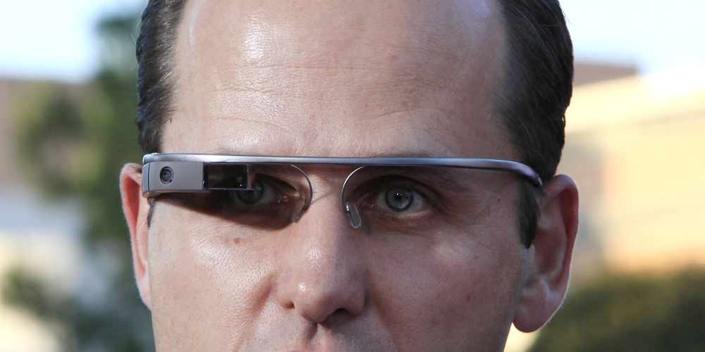 Bar kicks out Google Glass user.