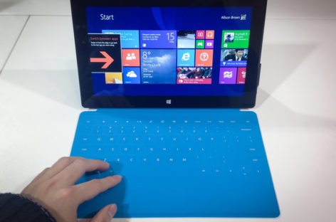 Microsoft Surface prone to dim screens