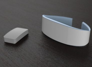 TapTap wristband lets couples tap their love