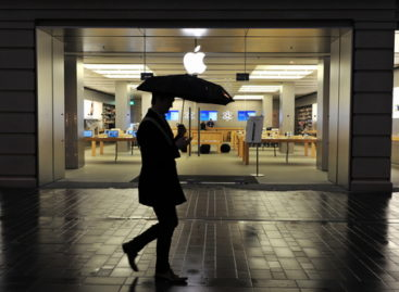 Apple's iBeacon spies on shoppers