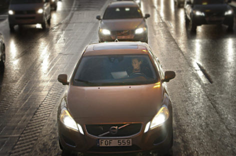 Volvo plans to test self-driving cars in 2017
