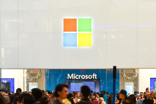 Microsoft slashes Windows 8 license price