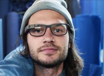 Google Glass to come with Ray-Ban and Oakley versions