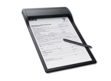 Wacom Clipboard Digitizes Paper Documents In Real Time